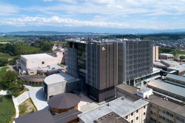 富山県立大学中央棟 サムネイル